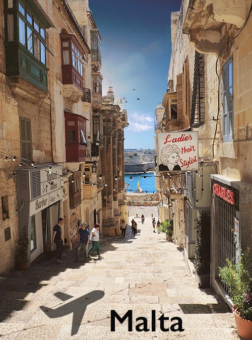 The three inhabited islands Malta, Gozo and Comino fascinate with their narrow winding roads.